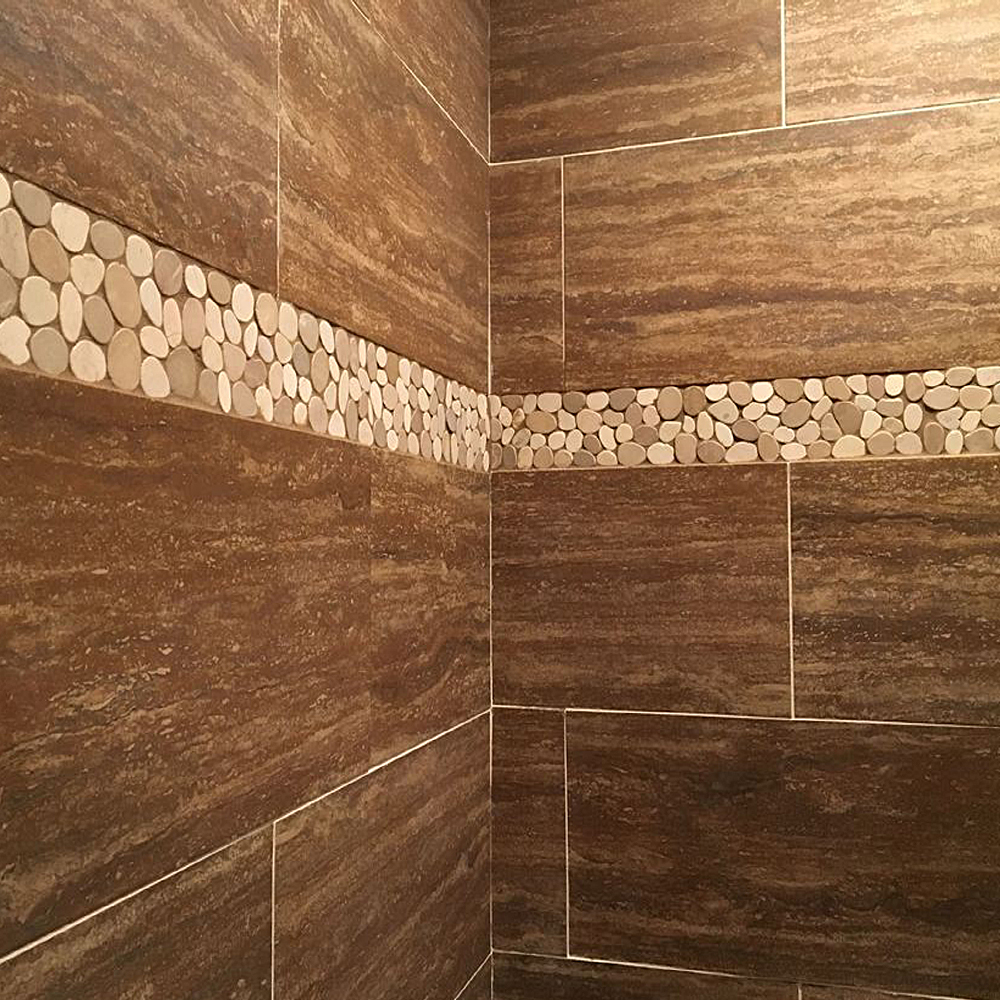 Sliced Tan and White Pebble Border Shower Accent