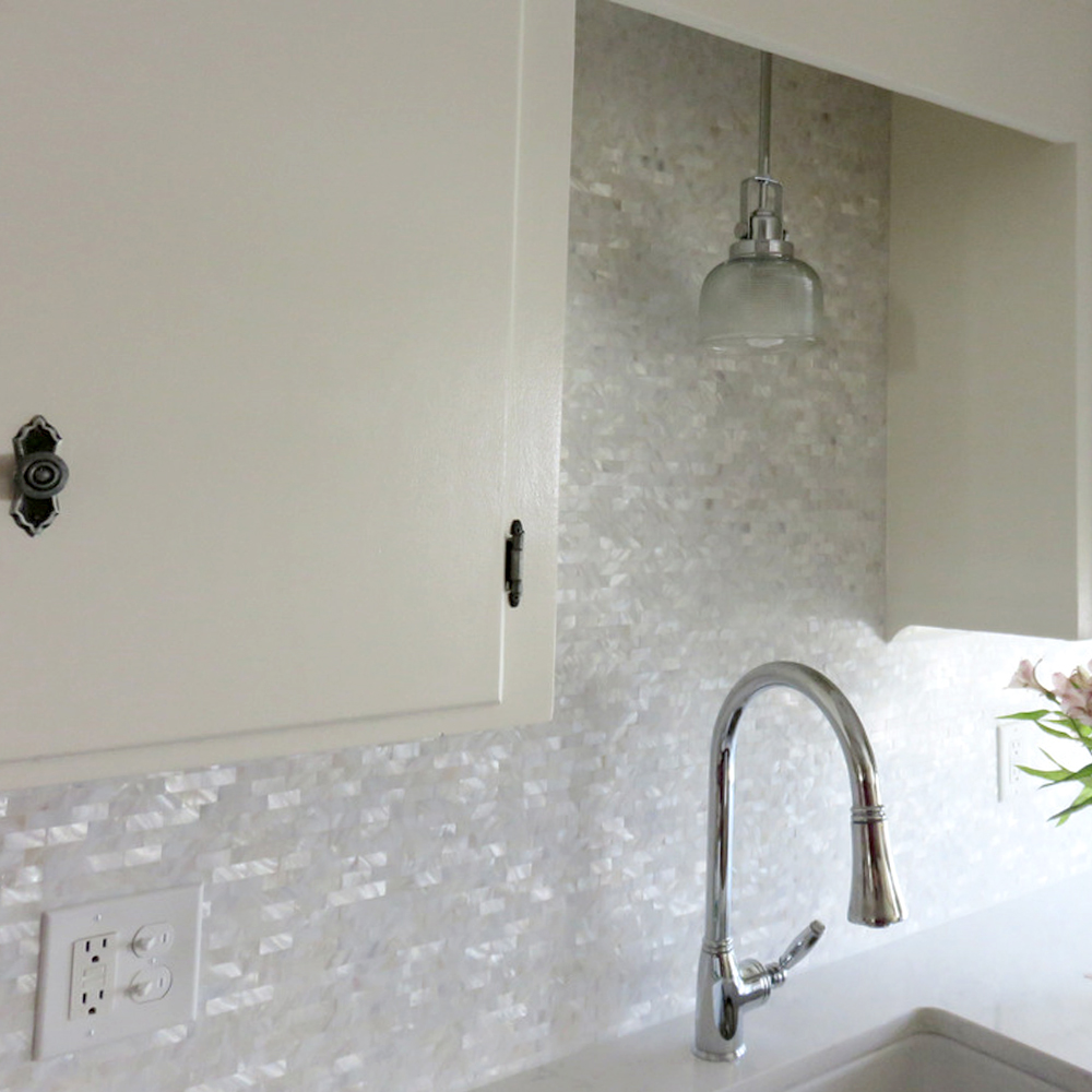 White Brick Groutless Pearl Shell Tile Kitchen Backsplash