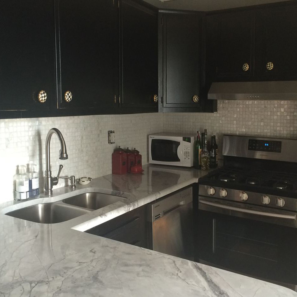 White Pearl 1x1 Kitchen Backsplash