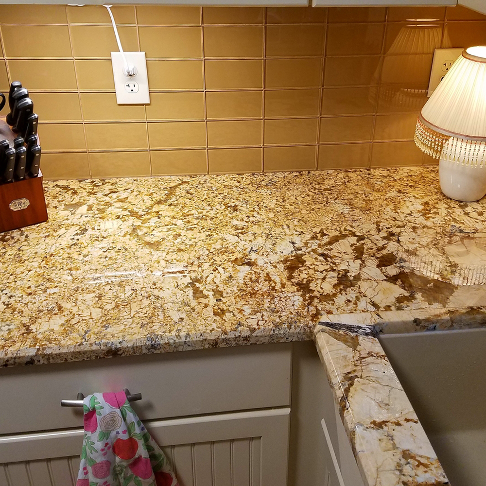 Sahara Glass Subway Tile Stacked Kitchen Backsplash