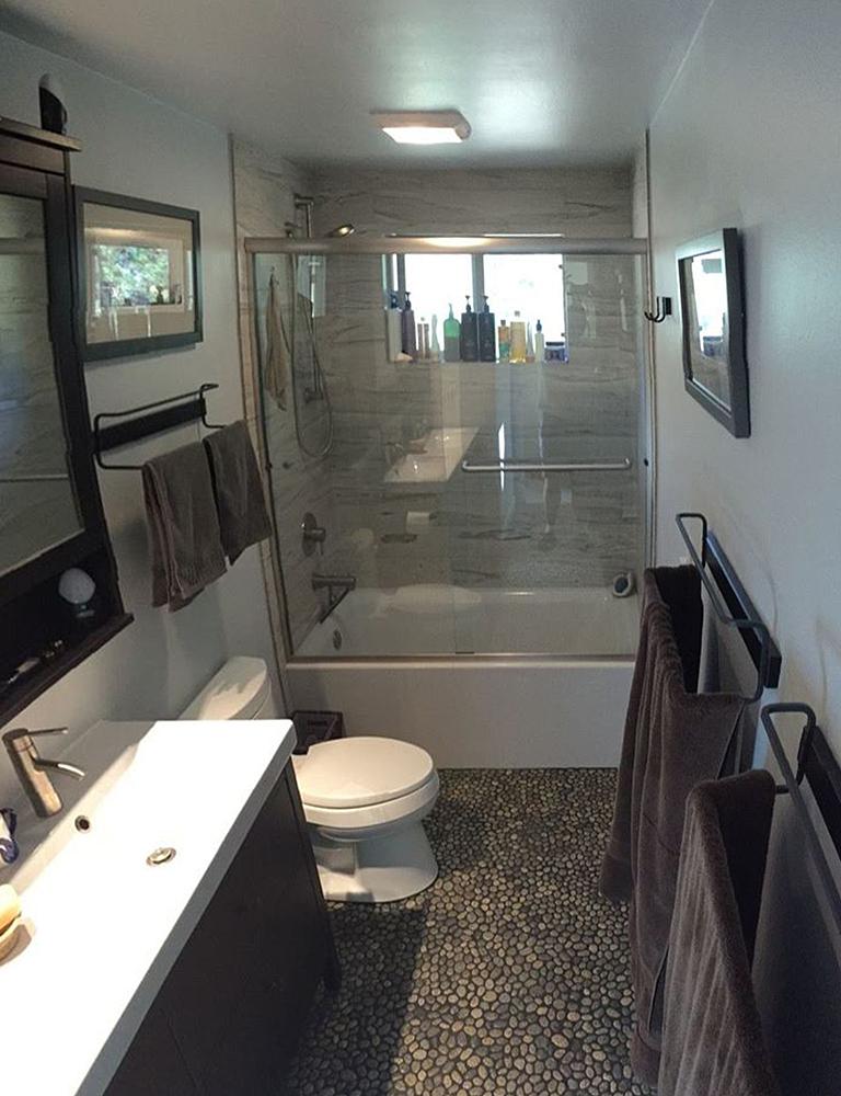 Glazed Speckled Pebble Tile Bathroom Flooring