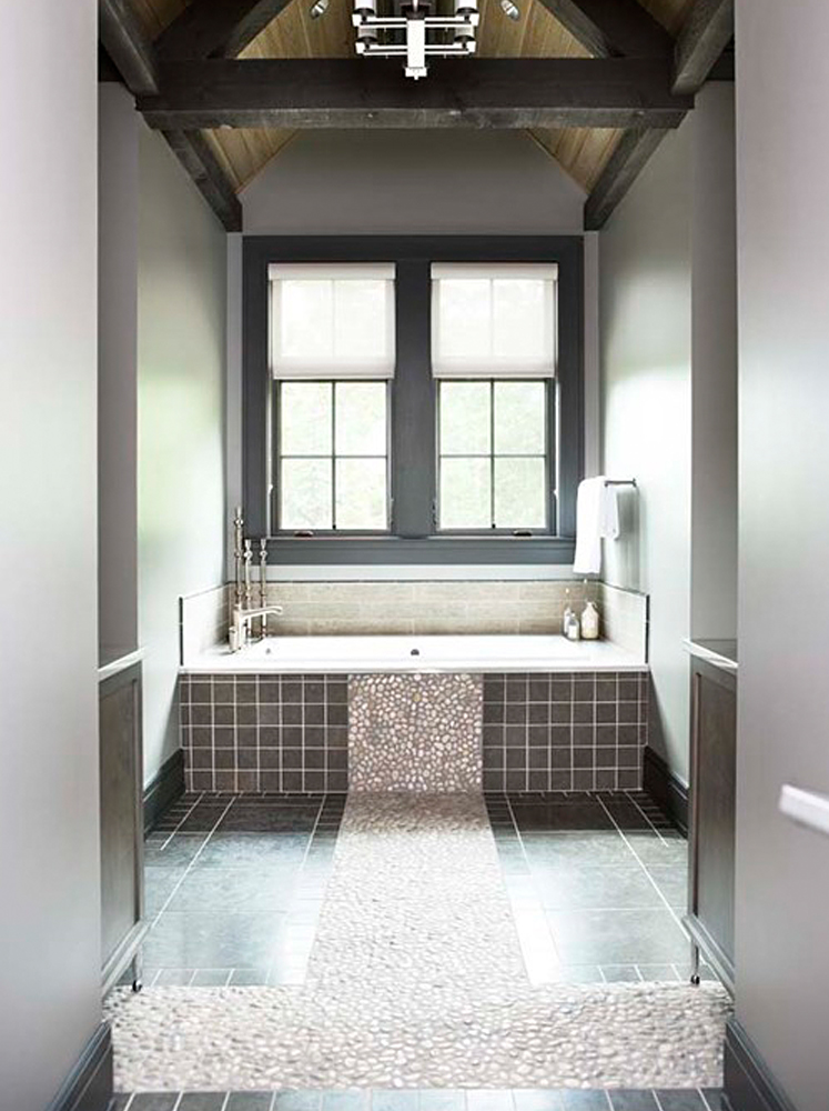 Tan Pebble Tile Bathtub Surround Accent