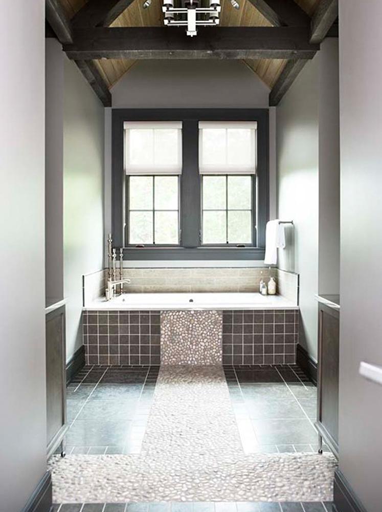 Tan Pebble Tile Bathtub Surround Accent