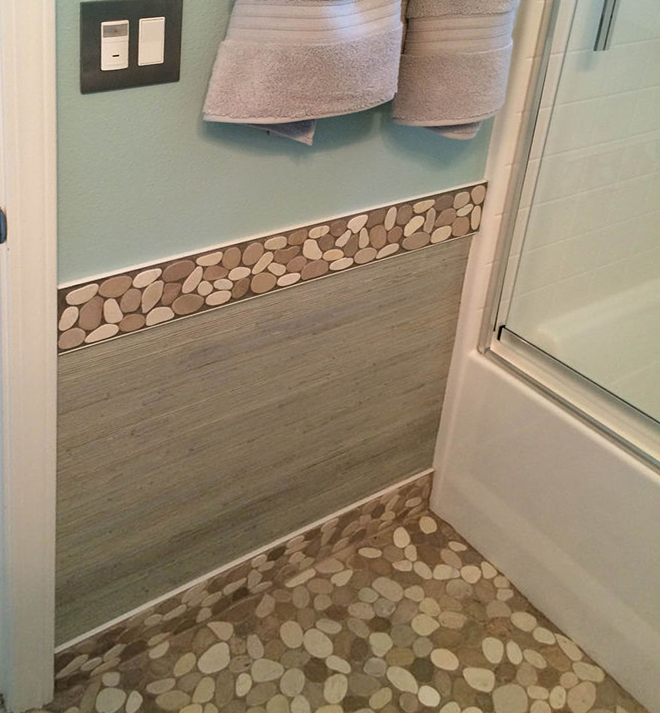 Sliced Java Tan and White Bathroom Border